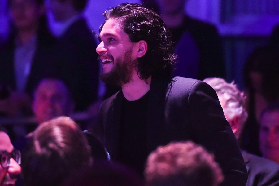 "Kit Harington au gala ""Haïti Raising"" à Los Angeles"