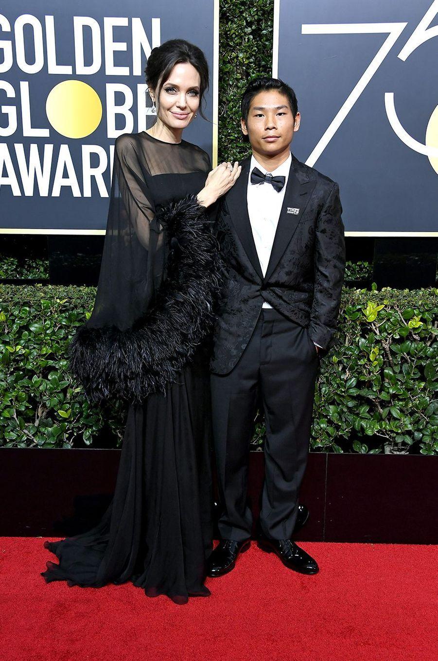 Angelina Jolie avec Maddox aux Golden Globes à Los Angeles en janvier 2018