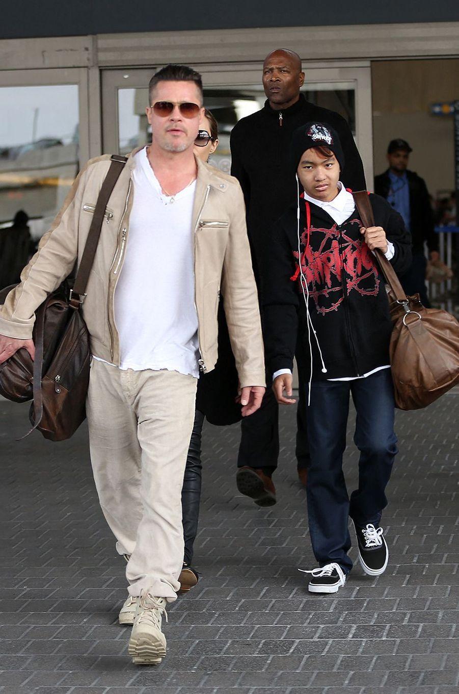 Brad Pitt avec Maddox à Los Angeles en février 2014