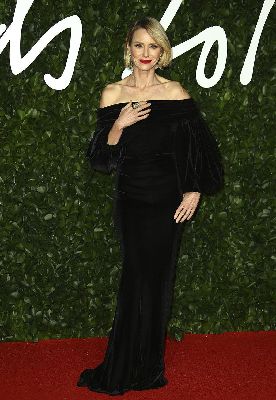 Naomi Wattslors des British Fashion Awardsau Royal Albert Hall à Londres le 2 décembre 2019.