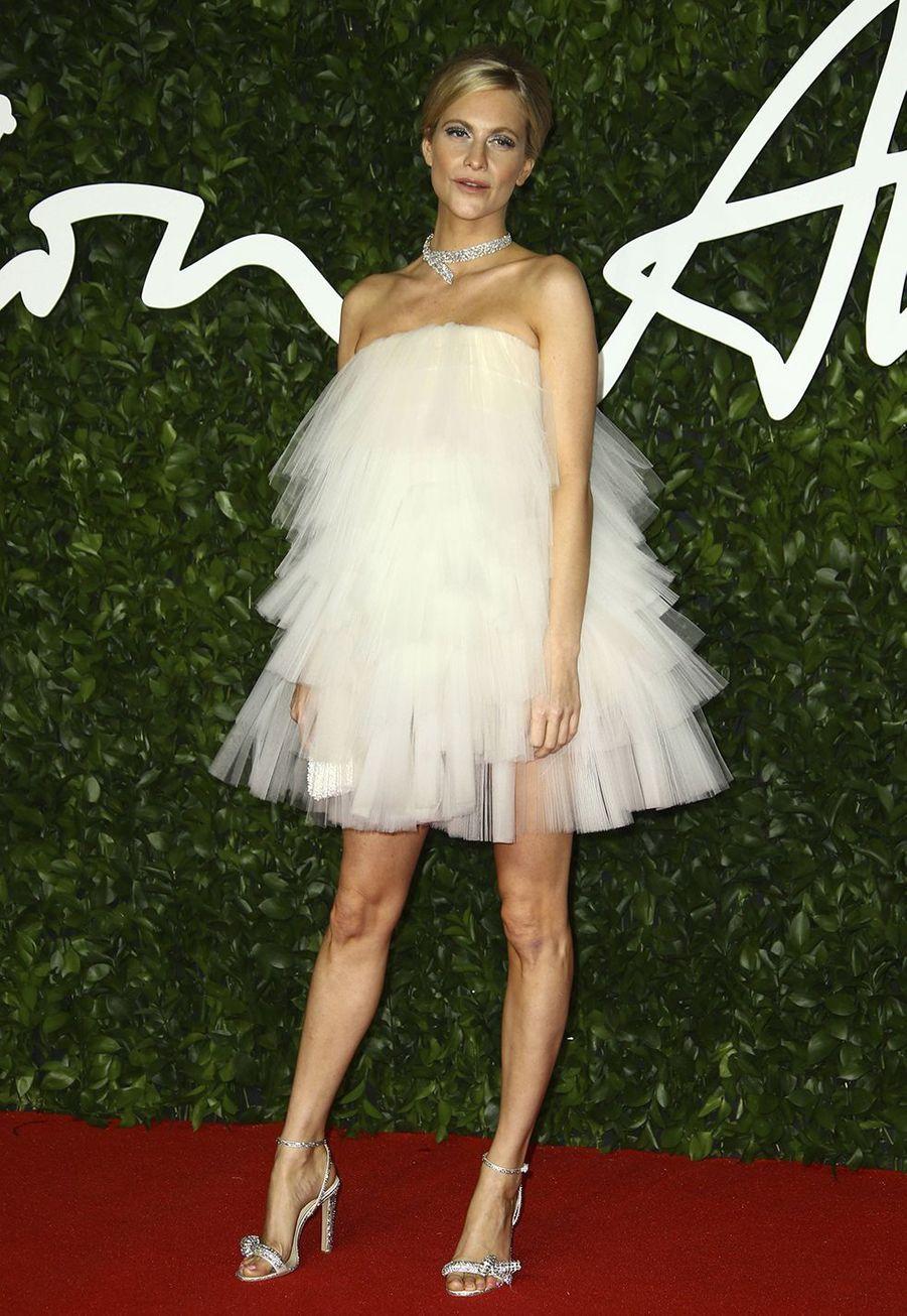 Poppy Delevingnelors des British Fashion Awardsau Royal Albert Hall à Londres le 2 décembre 2019.