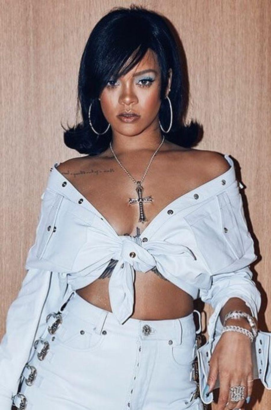 Les looks hallucinants de Rihanna à Coachella.