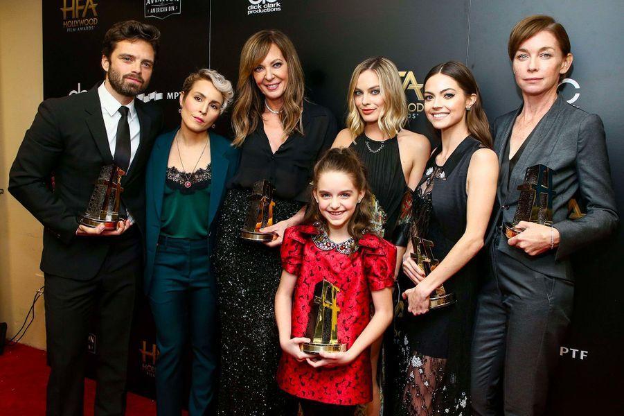 Caitlin Carver en novembre 2017 avec Allison Janney, Sebastian Stan, McKenna Grace, Margot Robbie, Julianne Nicholson.