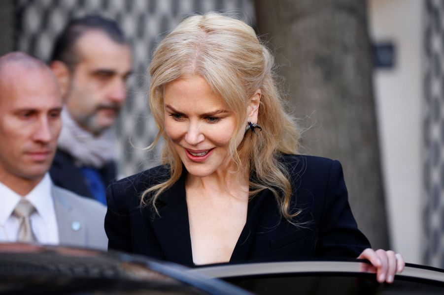Nicole Kidman quitte l'Hôtel Salomon après la conférence de presse.