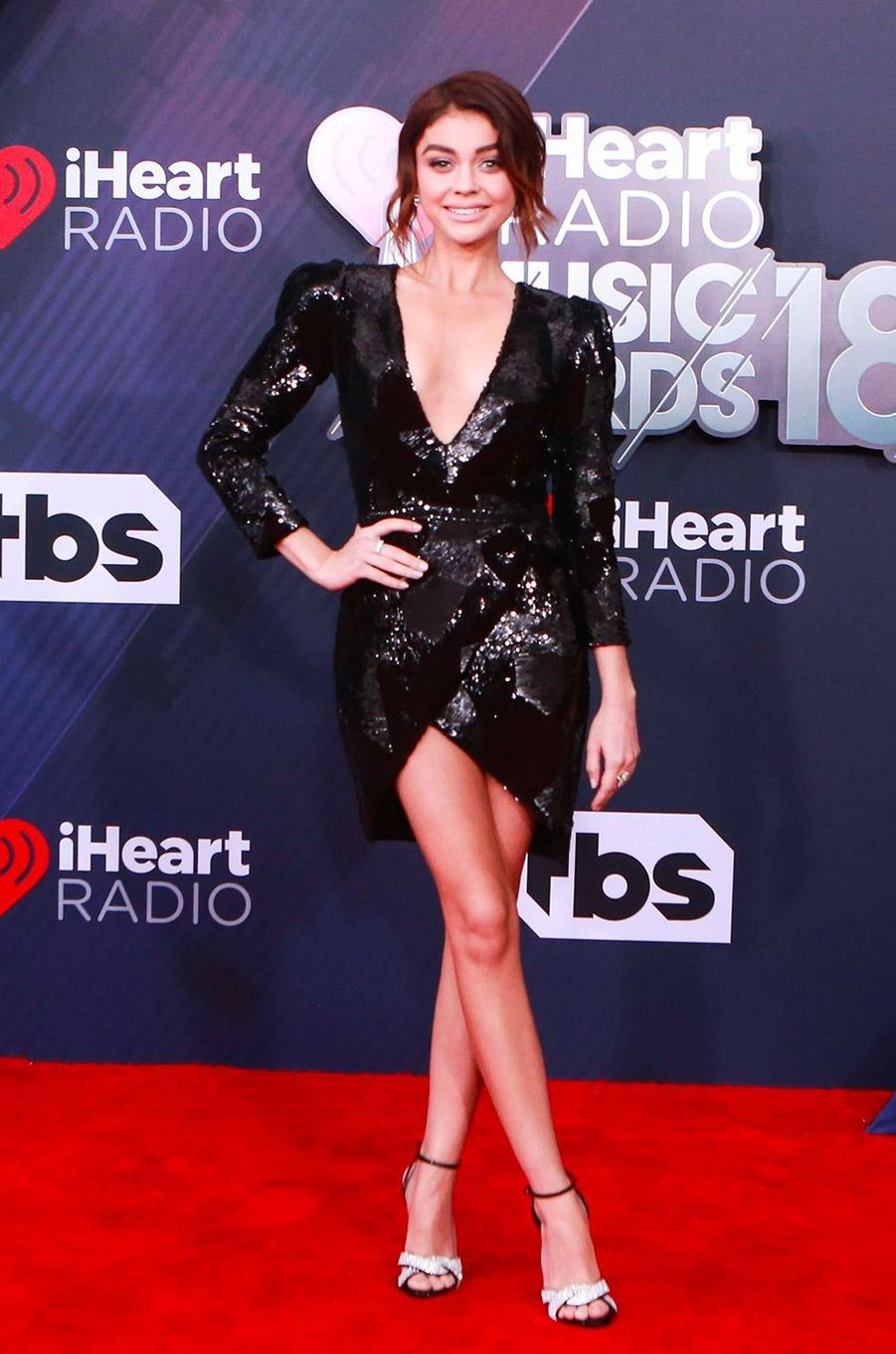Sarah Hylands aux iHeart Radio Music Awards