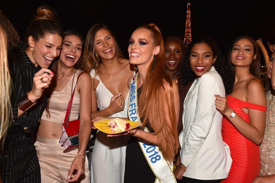Maëva Coucke fête son anniversaire à Paris