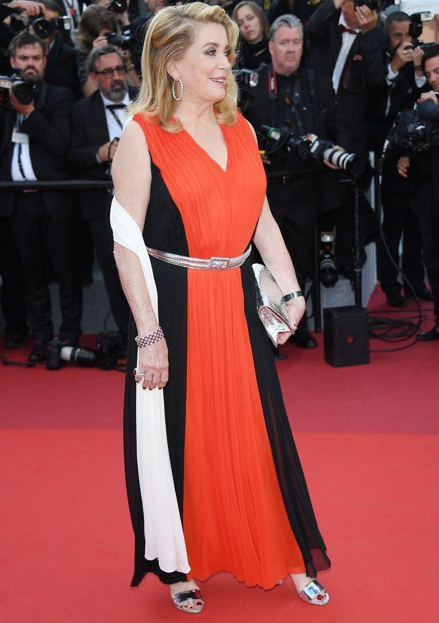 Catherine Deneuve sur le tapis rouge au Festival de Cannes