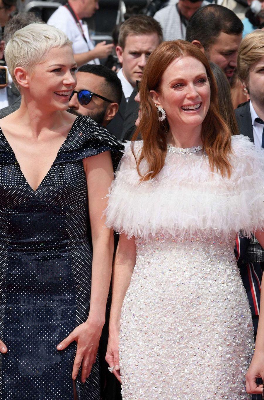 Julianne Moore avec Michelle Williams au festival de Cannes, le 18 mai 2017.