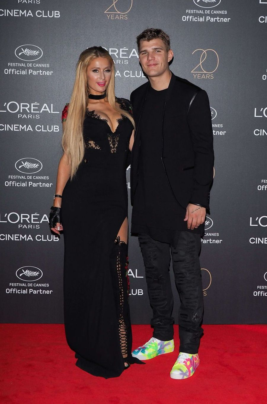 Paris Hilton, Chris Zylka.