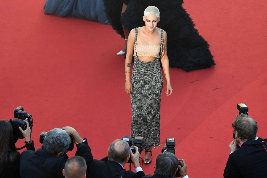 """L'autre star de cette montée des marches : Kristen Stewart, venue présenter ce samedi son premier court-métrage """"Come Swim""""."""