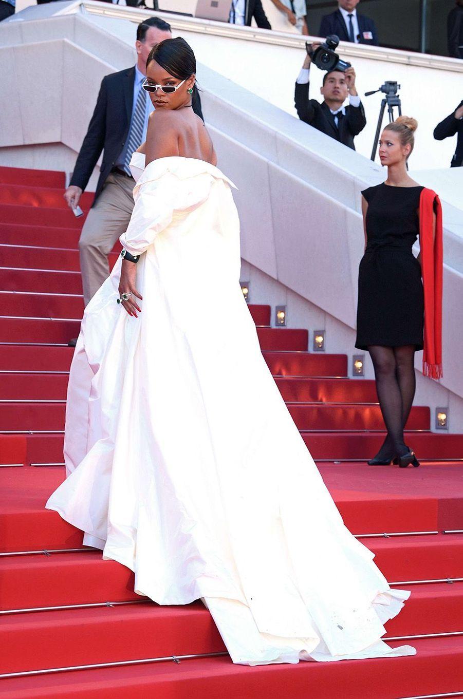 Lors de cette montée des marches, Rihanna a créé l'événement.