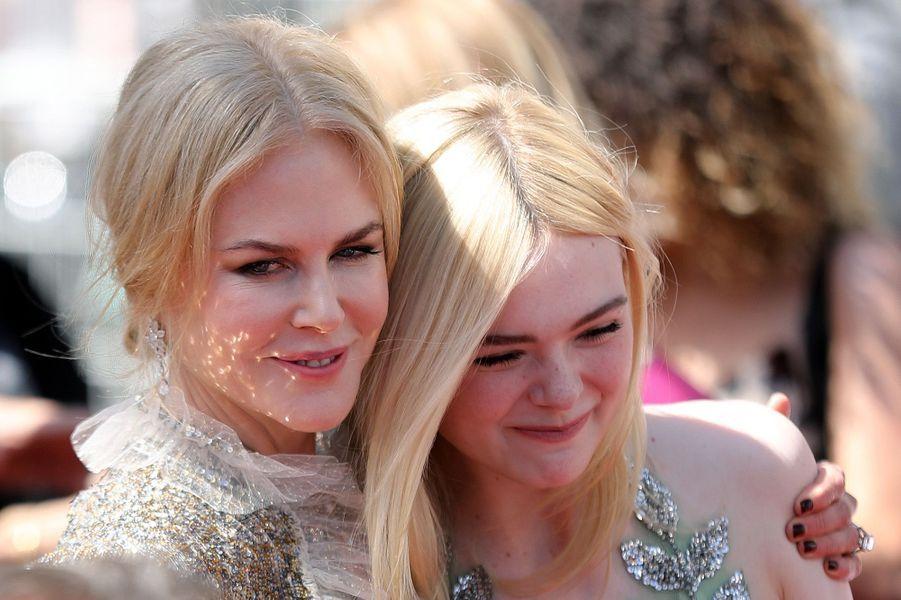 Nicole Kidman et Elle Fanning à Cannes, le 21 mai 2017.