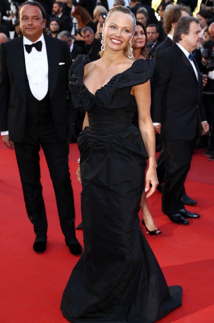 Pamela Anderson sur le tapis rouge