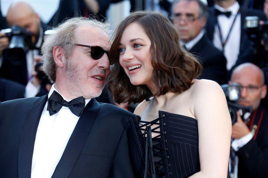 Marion Cotillard avec le réalisateur Arnaud Desplechin à Cannes.