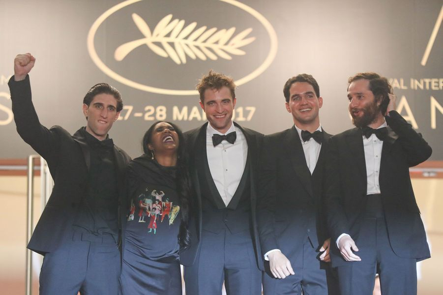Taliah Webster, Robert Pattinson, Benny Safdie et Josh Safdie à Cannes.