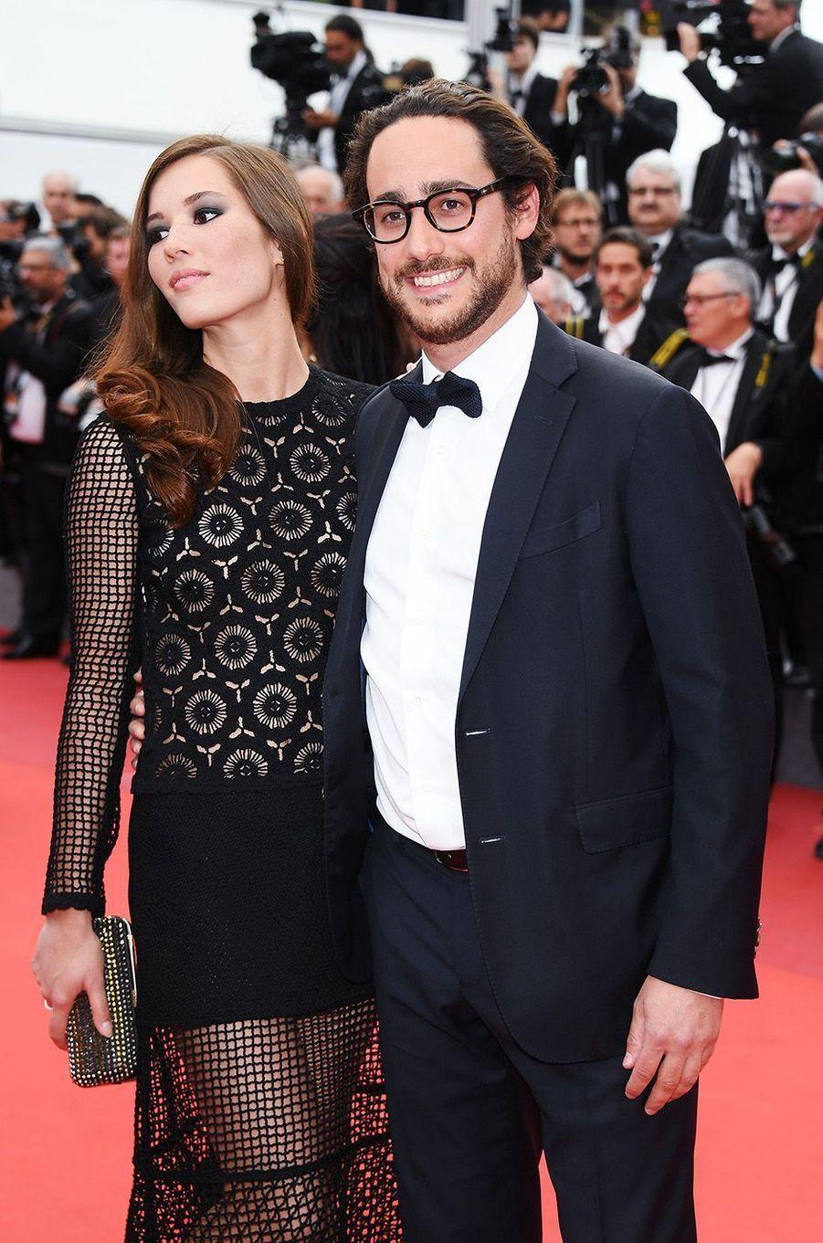 Thomas Hollande et Emilie Broussouloux, deux amoureux sur la Croisette, le 26 mai 2017.