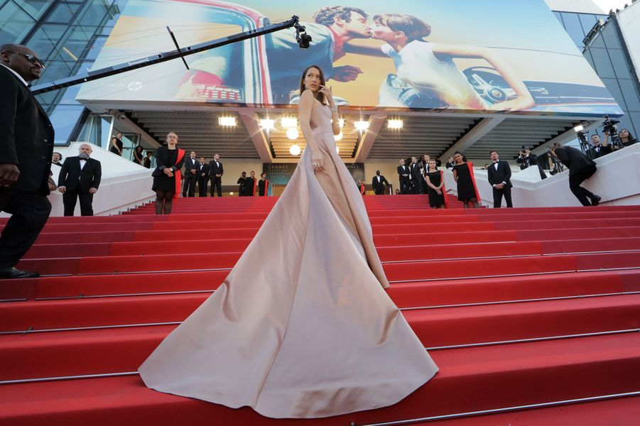 Bella Hadid a fait sensation à Cannes, le 11 mai 2018.