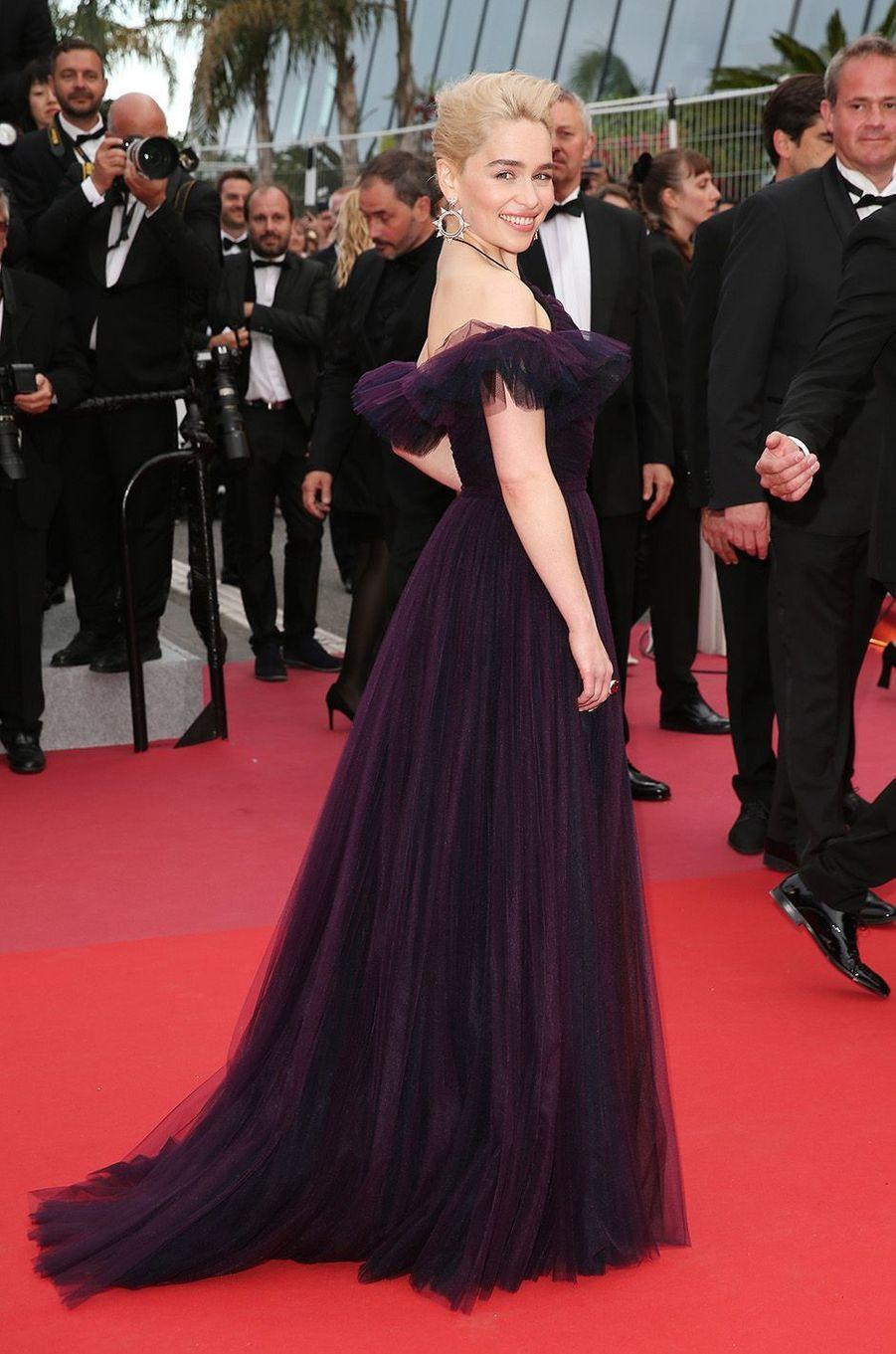 Emilia Clarke sur le tapis rouge du festival de Cannes, le 15 mai 2018.