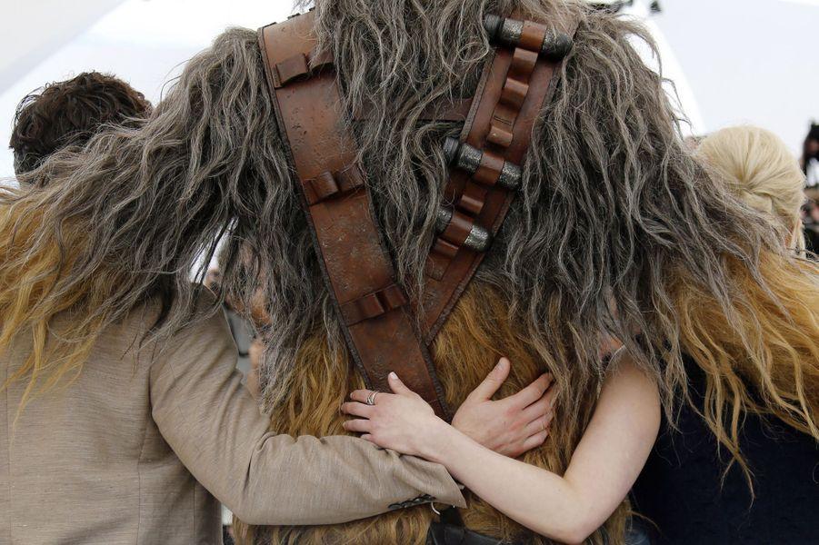 Emilia Clarke et tout le casting de «Solo: A Star Wars Story», le 15 mai 2018.