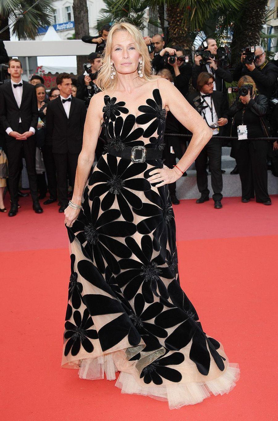 Estelle Lefébure sur le tapis rouge du festival de Cannes, le 16 mai 2018.