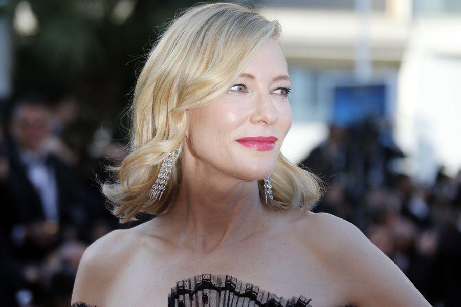 Cate Blanchett sur les marches du festival de Cannes, le 17 mai 2018.