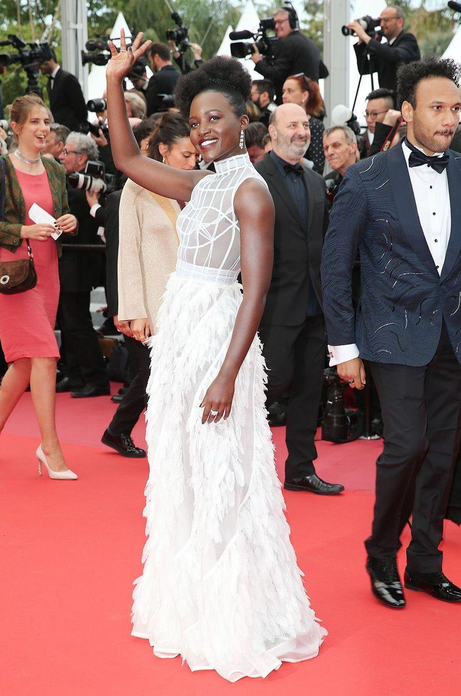"""Lupita Nyong'o, la star de """"Black Panther"""" sur la Croisette, le 10 mai 2018."""