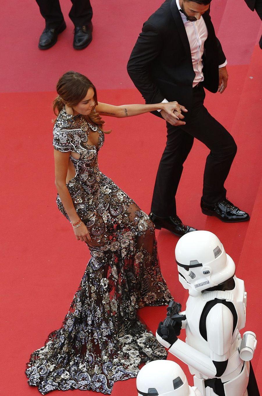 Nabllla et Thomas sur le tapis rouge du festival de Cannes, le 15 mai 2018.
