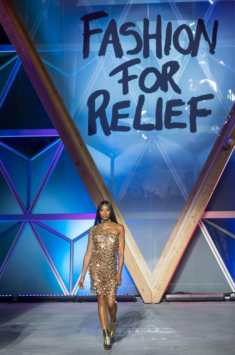 Naomi Campbell au défilé Fashion For Relief à Cannes le 13 mai 2018