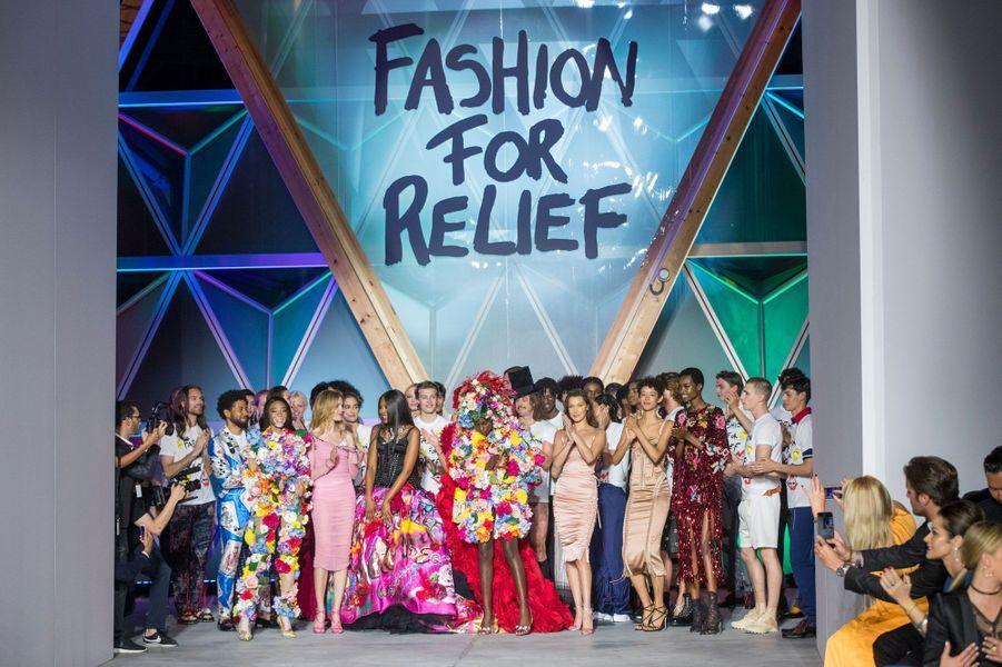 Le défilé Fashion For Relief à Cannes le 13 mai 2018