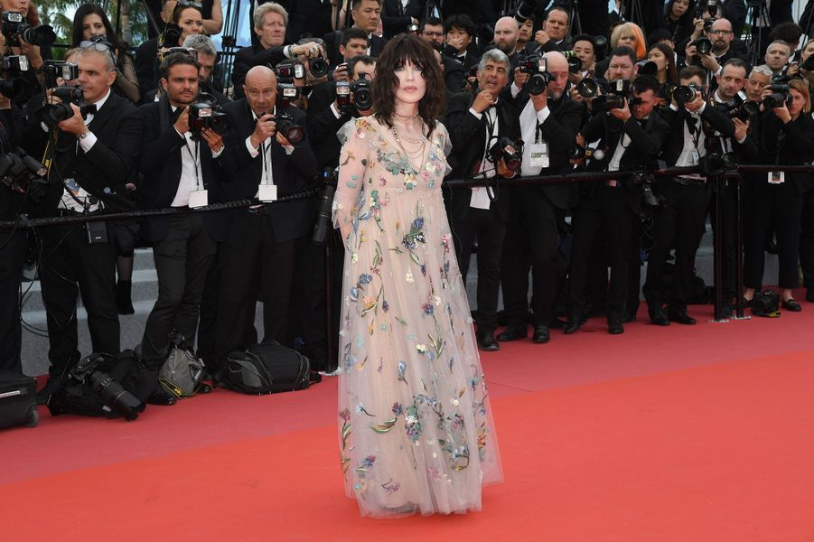 Isabelle Adjani sur le tapis rouge du Festival de Cannes, le 8 mai 2018.