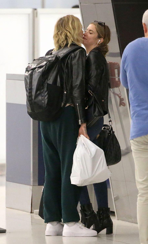 Cara Delevingne et Ashley Benson à l'aéroport de New York le 18 juin 2019