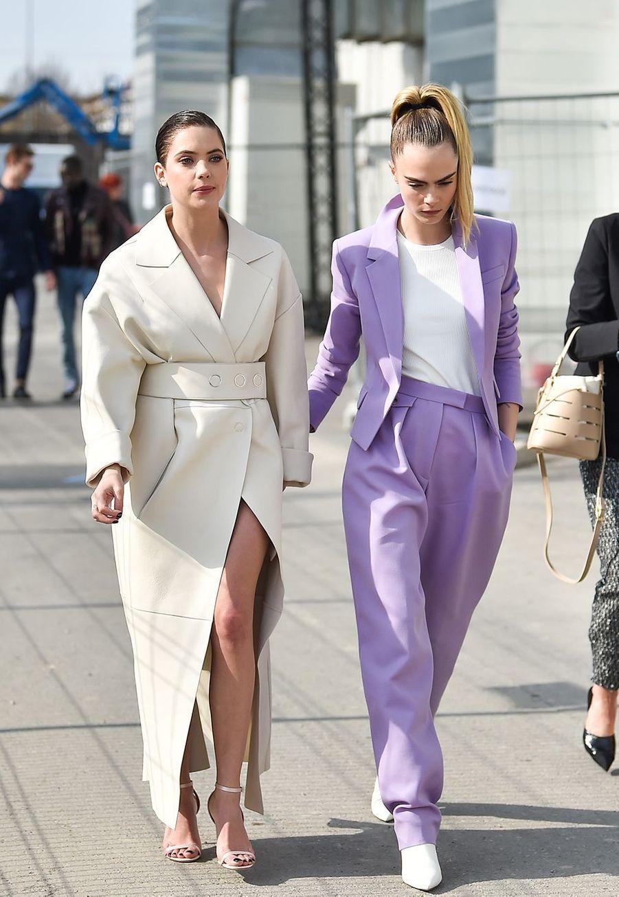 Cara Delevingne avec sa chérie Ashley Bensonau défilé Boss de la marque Hugo Boss pendant la Fashion Week de Milan le 23 février 2020.