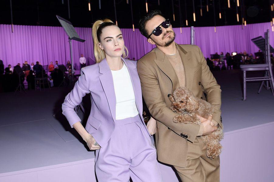 Cara Delevingne et Orlando Bloomau défilé Boss de la marque Hugo Boss pendant la Fashion Week de Milan le 23 février 2020.