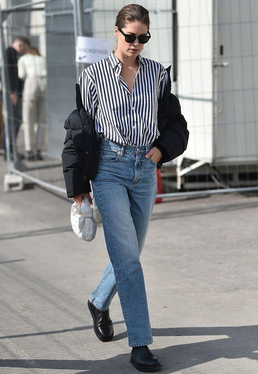 Doutzen Kroesau défilé Boss de la marque Hugo Boss pendant la Fashion Week de Milan le 23 février 2020.