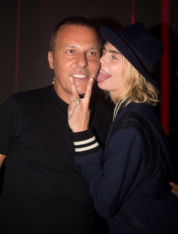 Cara Delevingne, au côté de Jean-Roch, célèbre ses fiançailles au VIP Room de Saint-Tropez le 8 juillet 2019
