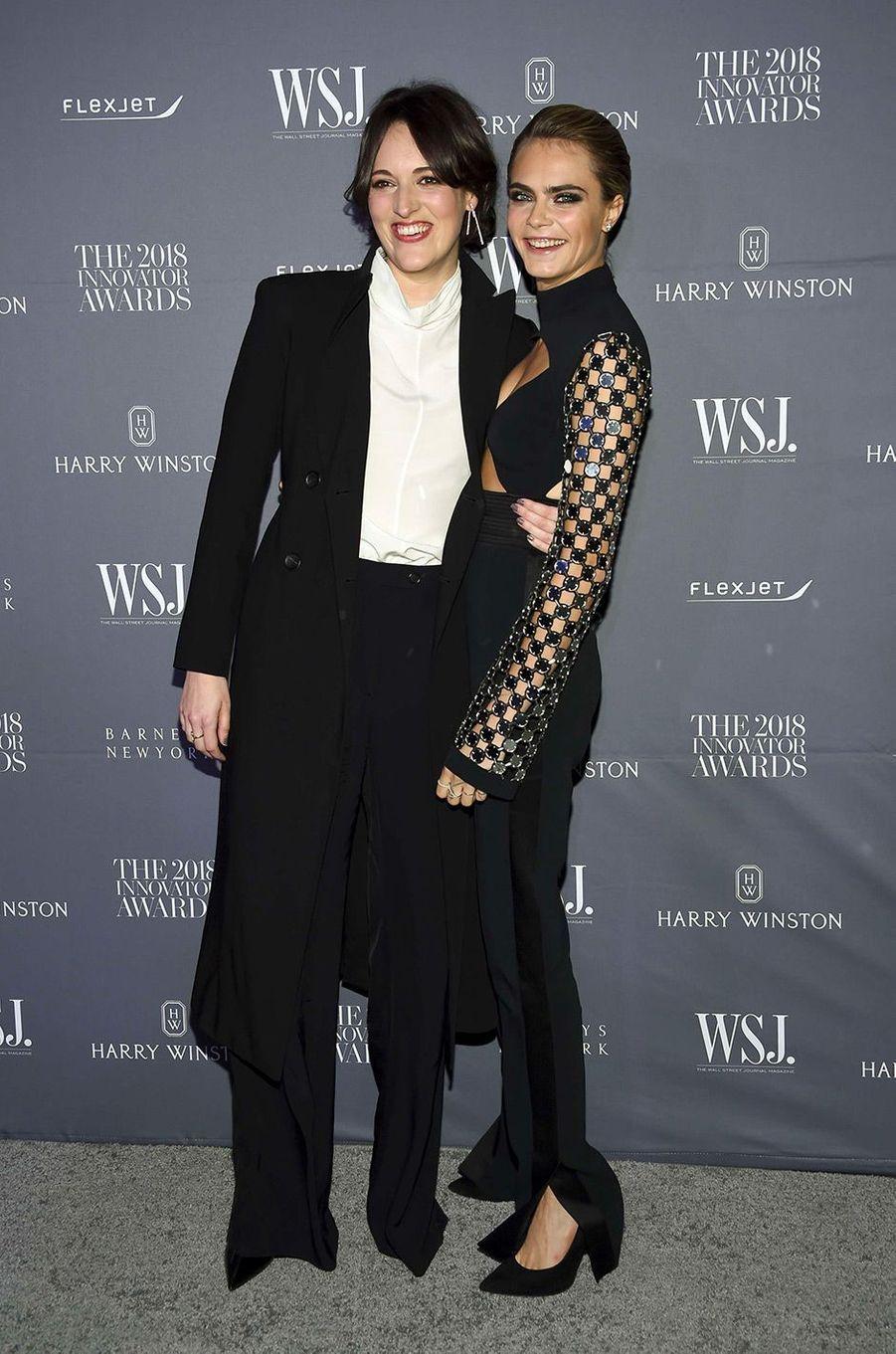 Cara Delevingne, avec Phoebe Waller-Bridge, à la soiréeInnovator Awards, au MoMA, à New York, mercredi 7 novembre