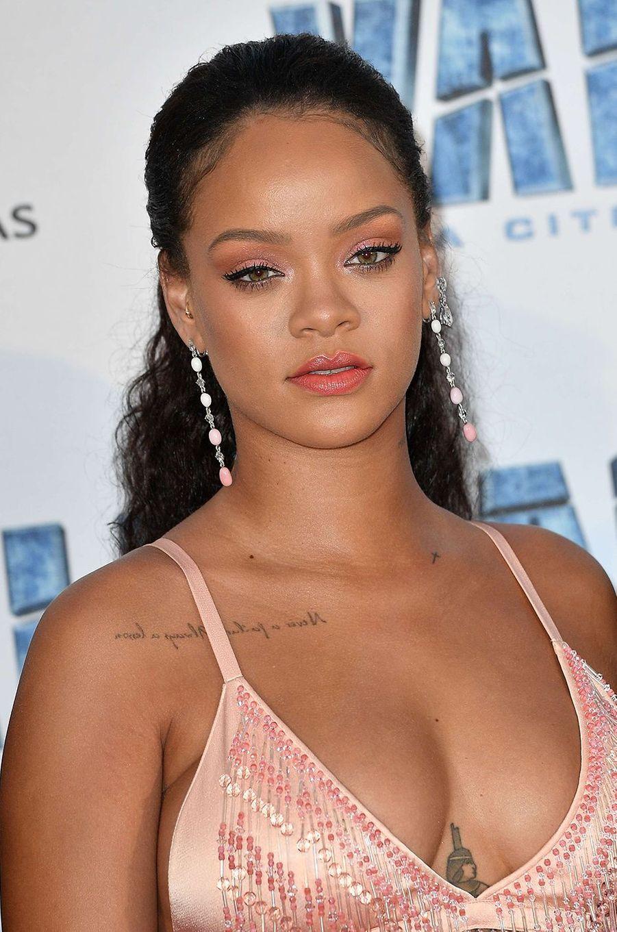Rihanna irrésistible en Chopard à Paris, le 25 juillet 2017.