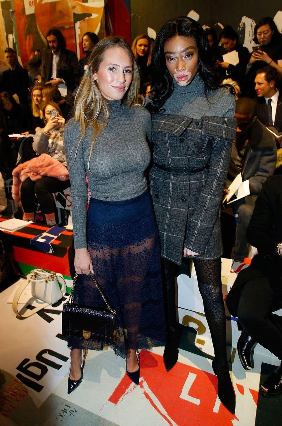 Dylan Penn et Winnie Harlow au défilé Dior pendant la Fashion Week de Paris