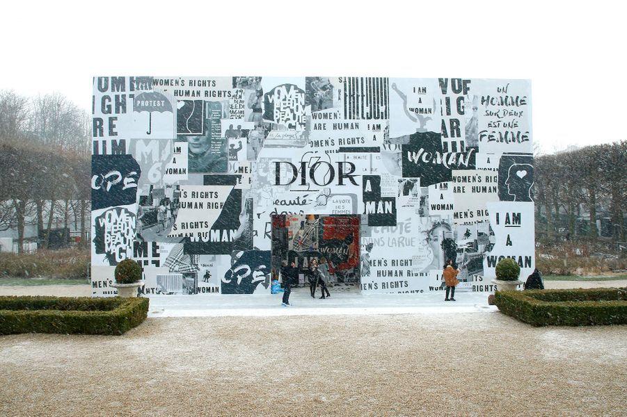 Le défilé Dior au musée Rodin pendant la Fashion Week de Paris