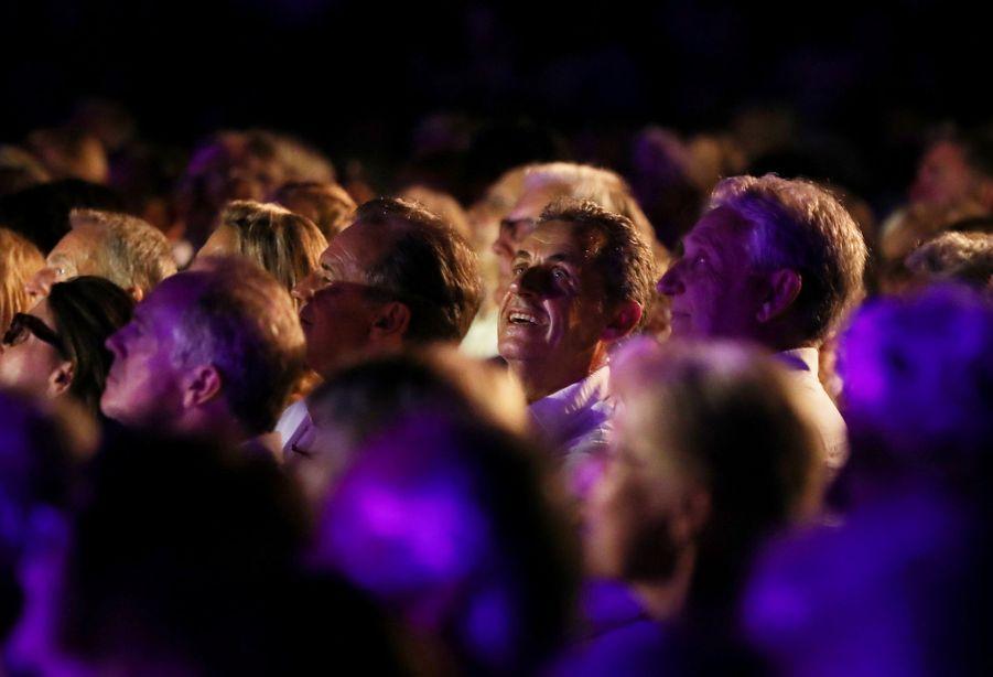 Nicolas Sarkozy au côté de Renaud Muselier etGil Bernardi au concert de Carla Bruni au Lavandou le 23 juillet 2019