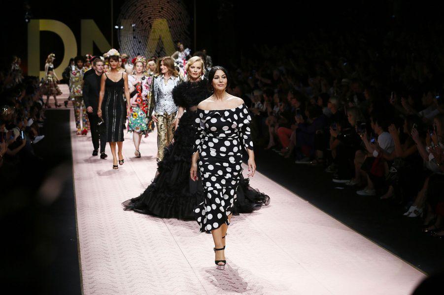 Monica Bellucci défile pour Dolce & Gabbana à Milan le 23 septembre 2018