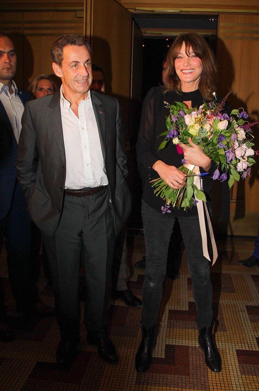 Nicolas Sarkozy et Carla Bruni à la sortie de l'un de ses concerts le 23 octobre 2017