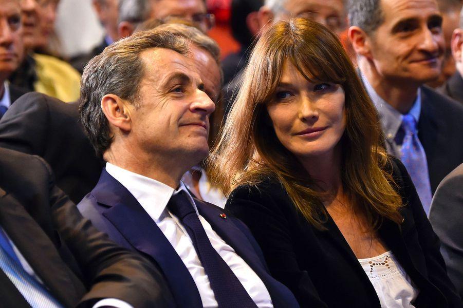 Nicolas Sarkozy et Carla Bruni lors d'un meeting le 27 octobre 2016