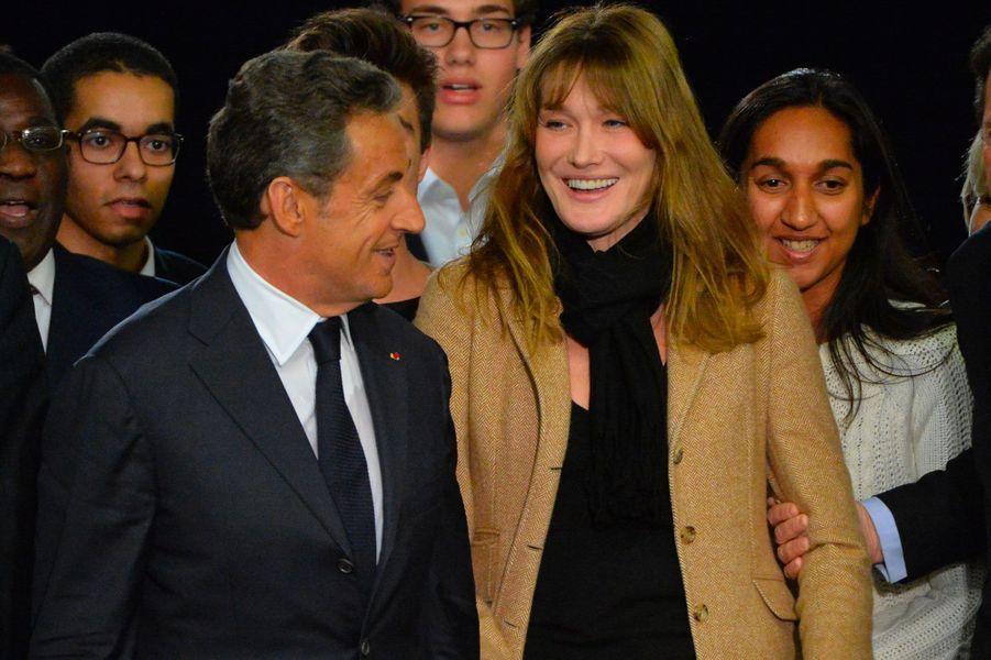 Nicolas Sarkozy et Carla Bruni lors d'une meeting UMP le 7 novembre 2014