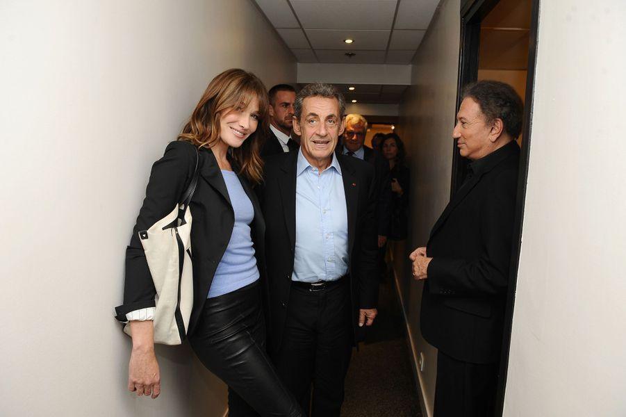 Carla Bruni, Nicolas Sarkozy et Michel Drucker dans les coulisses de «Vivement dimanche» le 30 septembre 2019. L'émission est diffusée le 6 octobre.
