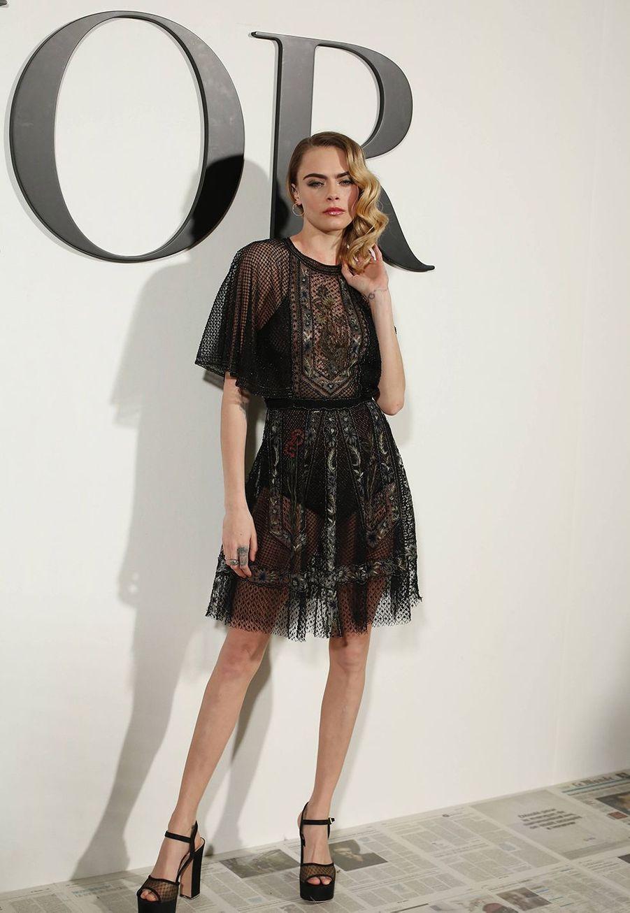 Cara Delevingneau défilé Dior à Paris le 25 février 2020