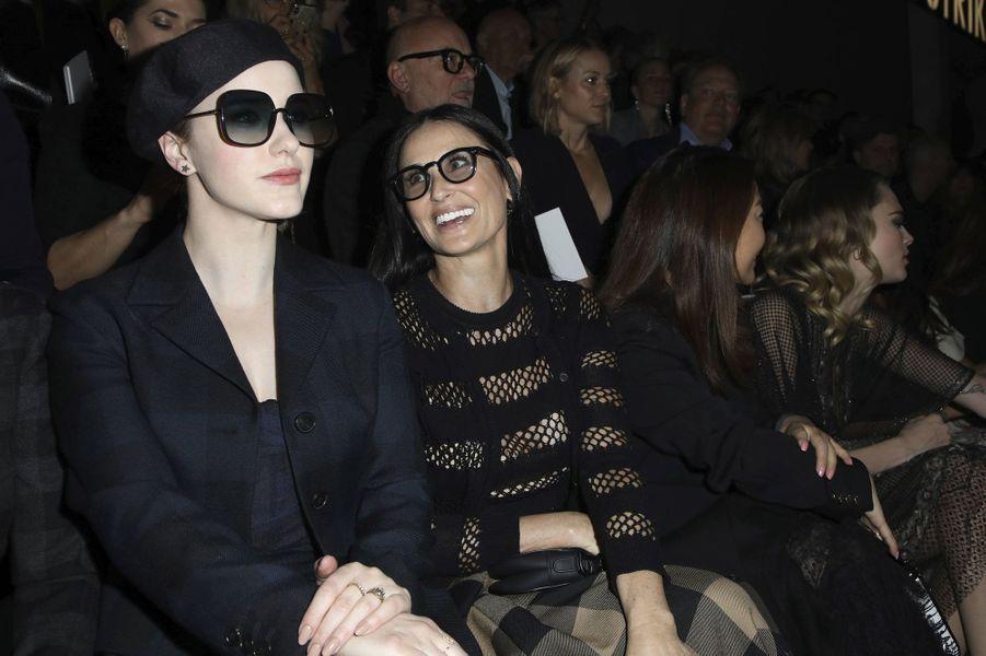 Rachel Brosnahan et Demi Mooreau défilé Dior à Paris le 25 février 2020