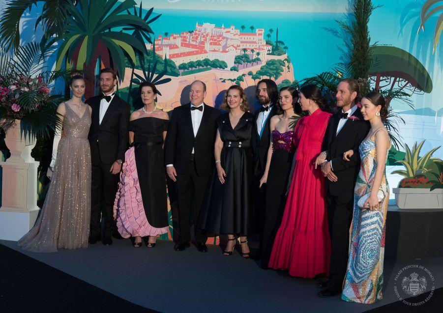 Carole Bouquet entourée de la famille royale monégasqueau Bal de la Rose à Monte-Carlo le 30 mars 2019