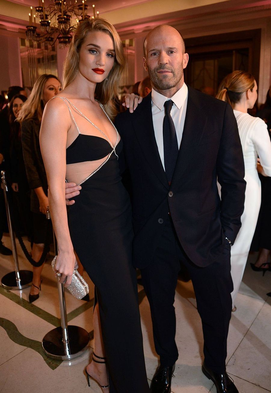 Rosie Huntington-Whiteley et Jason Statham à la soirée Harper's Bazaar Women of the Year Awards à Londres le 29 octobre 2019