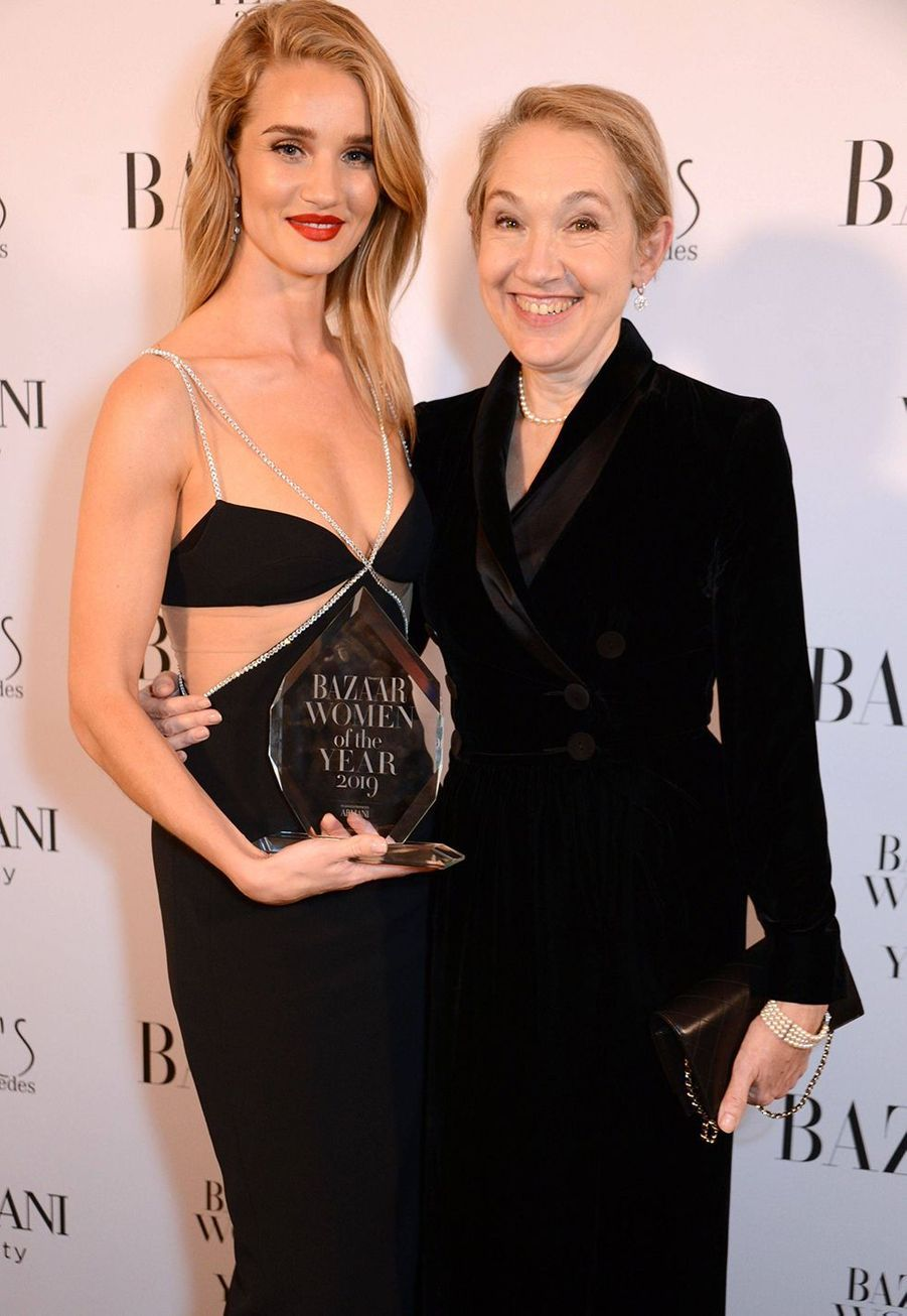 Rosie Huntington-Whiteley et la Justine Picardie (rédactrice en chef d'«Harper's Bazaar UK») à la soirée Harper's Bazaar Women of the Year Awards à Londres le 29 octobre 2019